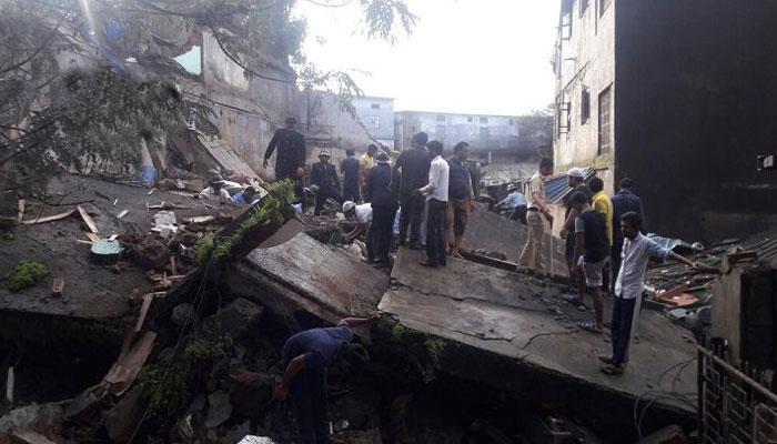 भिवंडी में दो मंजिला इमारत ध्वस्त: अब तक दो की मौत, कई के दबे होने की आशंका, बचाव अभियान जारी