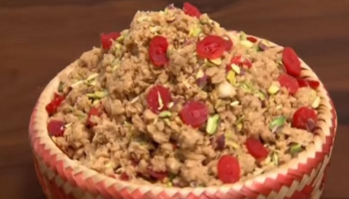 अपने घर में 'पंजीरी' कैसे बनाएं, देखें यह वीडियो