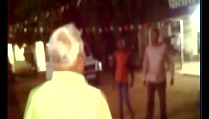 महाराष्ट्र: बीजेपी विधायक ने पुलिसकर्मी को सरेआम मारा थप्पड़- देखें Video