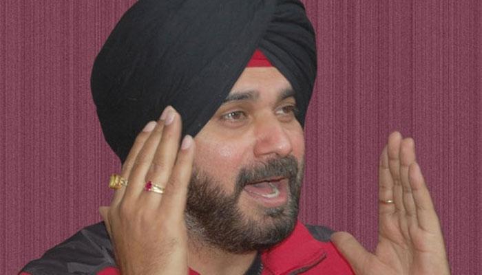 पूर्व क्रिकेटर नवजोत सिंह सिद्धू को लेकर कयासों का दौर जारी, AAP ने कहा- उन्हें लेना है फैसला