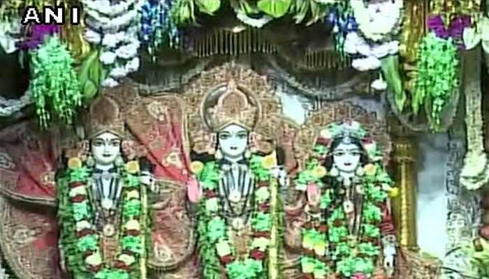 जन्माष्टमी की धूम ; नंदलाल के जन्म उद्घोष के साथ मंदिरों में उमड़ी भक्तों की भीड़