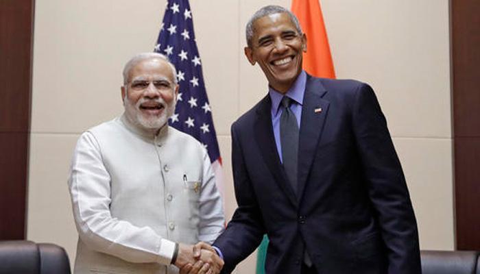 लाओस में हुई PM मोदी और अमेरिकी राष्ट्रपति बराक ओबामा की मुलाकात