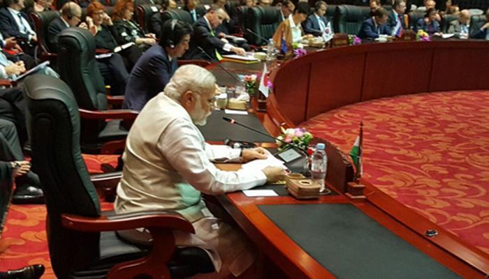 पाकिस्तान के खिलाफ PM मोदी ने फिर बोला हमला- 'पड़ोस का एक देश निर्यात करता है आतंकवाद'