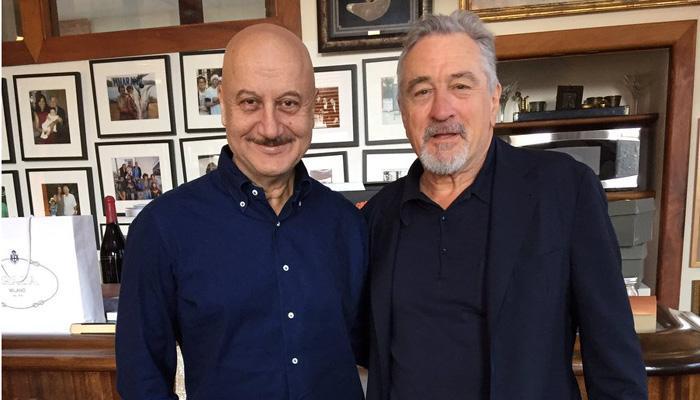 न्यूयॉर्क में हॉलीवुड स्टार रॉबर्ट डी नीरो से मिले अनुपम खेर