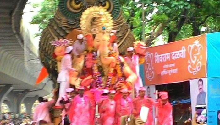 महाराष्ट्र समेत देश भर में गणपति विसर्जन