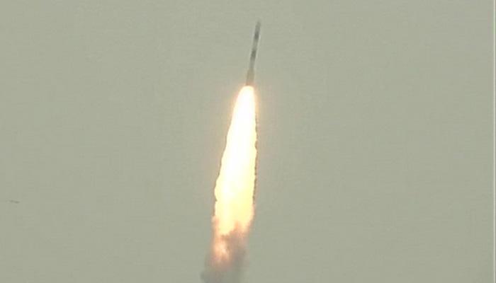 भारत को बड़ी कामयाबी; इसरो की सबसे बड़ी छलांग, पीएसएलवी से 8 सैटेलाइट लॉन्च