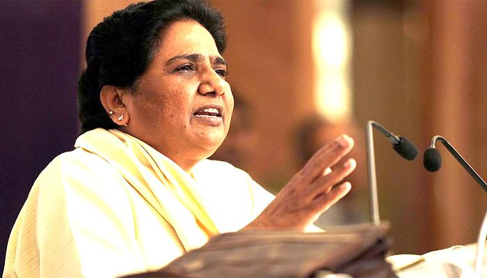 अखिलेश पर बरसीं मायावती कहा, 'खुद को 'यूटर्न' लेने वाला मुख्यमंत्री साबित किया'