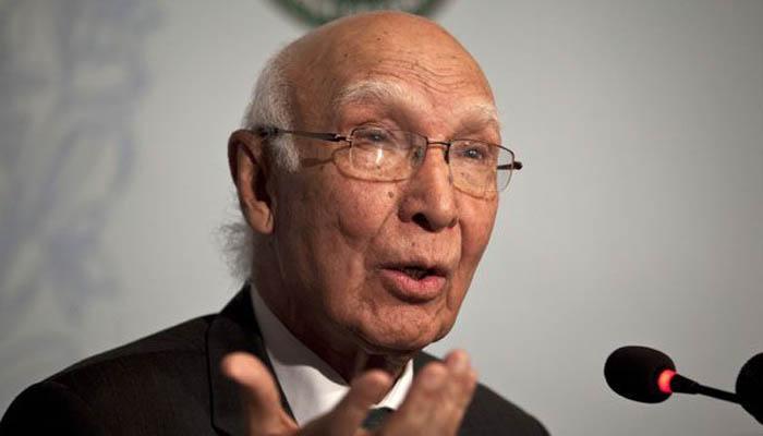 LoC पर तनाव कम करने को राजी हुए भारत और पाकिस्तान के राष्ट्रीय सुरक्षा सलाहकार: अजीज