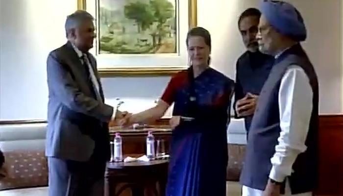 दो माह बाद सार्वजनिक तौर पर सामने आईं सोनिया गांधी, श्रीलंकाई पीएम से की मुलाकात