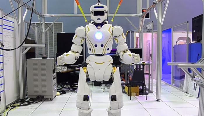 अब नर्सिंग असिस्टेंट का काम करेंगे रोबोट