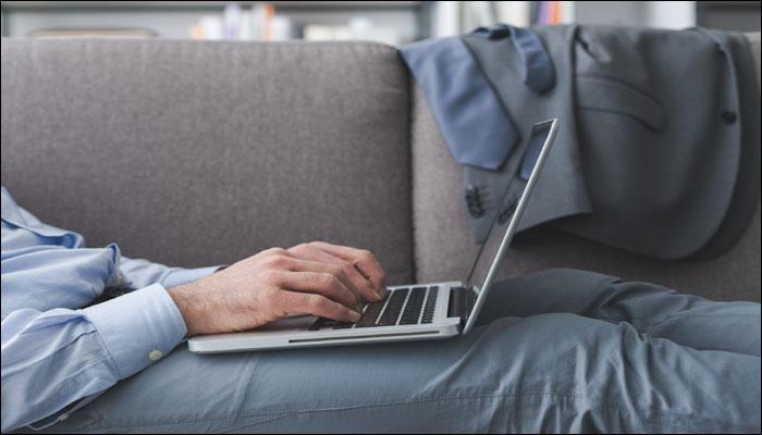 लगातार लंबे समय तक बैठने से सेहत को भारी नुकसान, हो सकती है जानलेवा