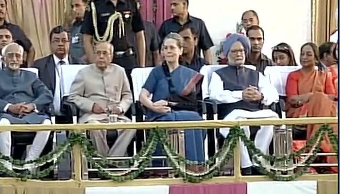 रामलीला कार्यक्रम में शामिल हुए राष्ट्रपति और सोनिया गांधी