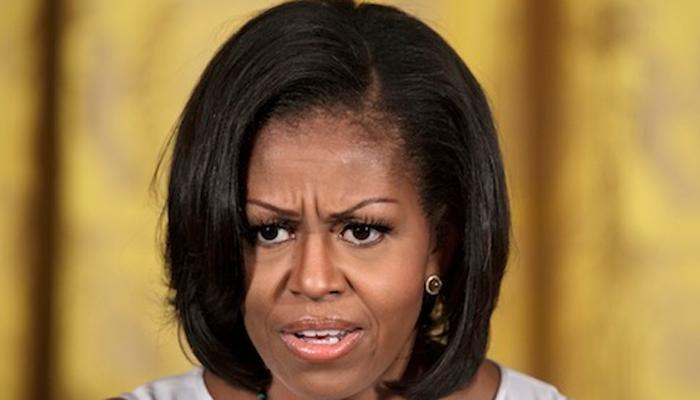 डोनाल्ड ट्रंप के 'यौन शिकारी' जैसे व्यवहार ने मुझे 'हिलाकर' रख दिया: मिशेल ओबामा
