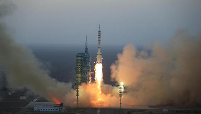 चीन ने अपना मानवयुक्त यान अंतरिक्ष में भेजा, 30 दिन प्रयोगशाला में रहेंगे अंतरिक्षयात्री