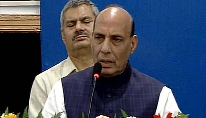 पाकिस्तान का संपूर्ण सत्ता प्रतिष्ठान दे रहा है आतंकवाद को बढ़ावा, भारत को अस्थिर करने की साजिश: राजनाथ