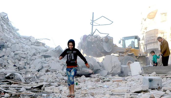 सीरिया के अलेप्पो में हवाई हमले में कम से कम 12 नागरिक मारे गए:निगरानी समूह