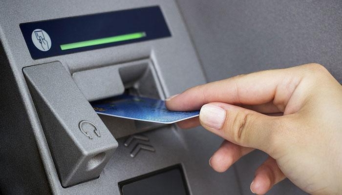 डेबिट कार्ड सेंध मामले में वित्त मंत्रालय को 10 दिन में रिपोर्ट मिलने की उम्मीद