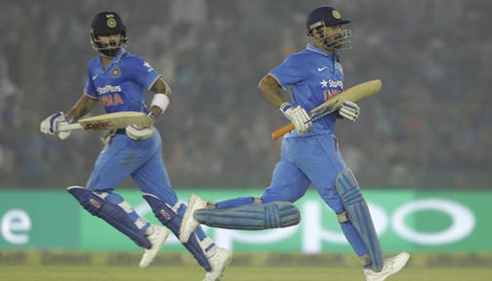 मोहाली वनडे: कोहली ने ठोके नाबाद 154 रन, भारत ने न्यूजीलैंड को 7 विकेट से हराया