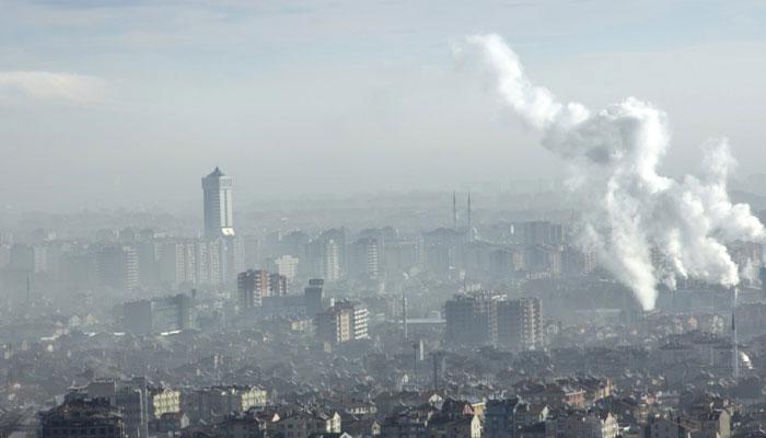 दिल्ली में छाई धुंध, प्रदूषित हुई हवा