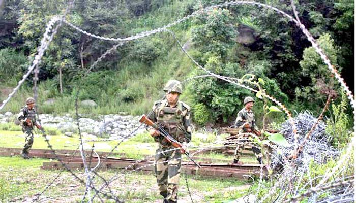 पाकिस्तान ने एलओसी के करीब चार सेक्टरों में गोलाबारी शुरू की, दो घायल