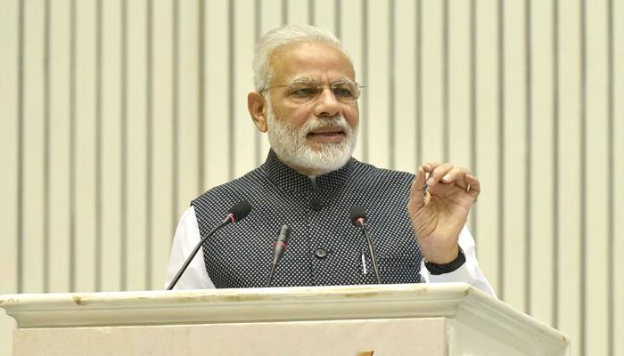 मीडिया के कामकाज में सरकार का नहीं होना चाहिए दखल, स्व-नियमन जरूरी : PM मोदी