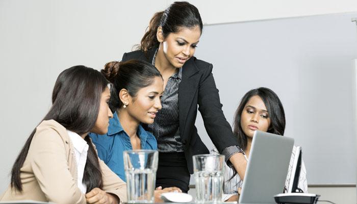पता चल गया, पुरुषों के मुकाबले महिलाएं क्यों आसानी से एक साथ कर लेती हैं कई काम