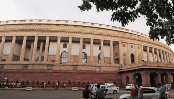 नोटबंदी पर संसद में हंगामा जारी, विपक्ष ने सरकार पर तेज किया हमला