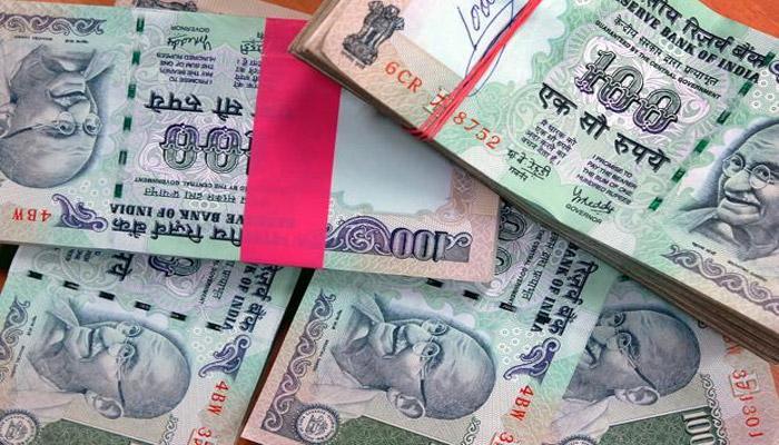डॉलर के मुकाबले रुपये ने छुआ सबसे निचला स्तर, 68.73 के बाद आज कुछ पैसे का सुधार