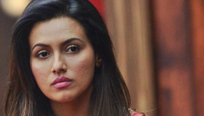 खुद के बारे में अफवाहों को पढ़ना जिंदगी का हिस्सा: सना खान
