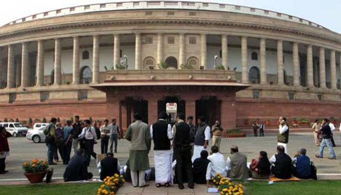 नोटबंदी : PM मोदी के बयान से संसद में गहराया गतिरोध, विपक्ष के तेवर कड़े
