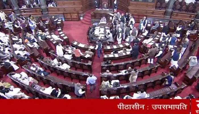 नोट बैन और आतंकी हमले को लेकर संसद में गतिरोध जारी, विपक्ष ने किया हंगामा