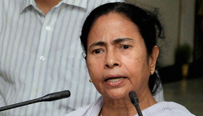 पश्चिम बंगाल: टोल प्लाजा से हटाए गए सैन्यकर्मी, फिर भी सचिवालय में ही डटी हुई हैं ममता बनर्जी