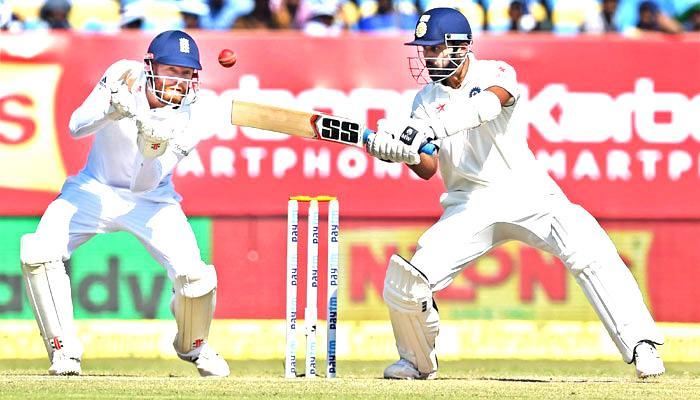 मुंबई टेस्ट: इंग्लैंड के खिलाफ भारत ने ली 51 रन की बढ़त, कोहली के नाबाद 147 रन