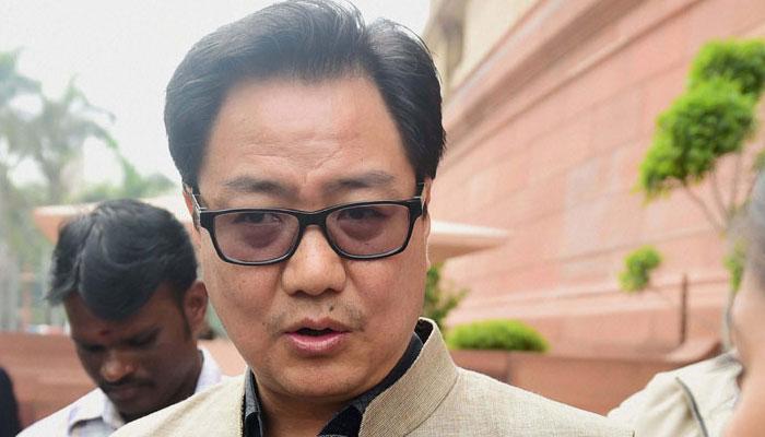 AAP और कांग्रेस जंग के इस्तीफे का नहीं करें राजनीतिकरण: रिजिजू