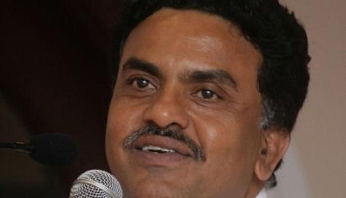 मुंबई कांग्रेस प्रमुख संजय निरूपम ने किया खुद को 'नजरबंद' रखे जाने का दावा, पुलिस का इनकार