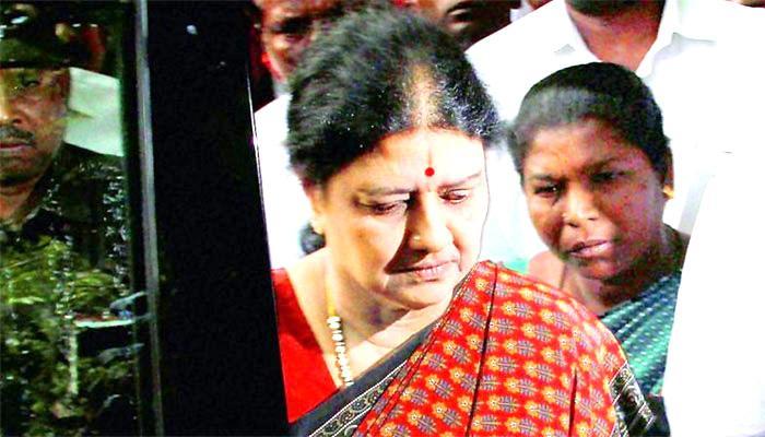 अन्नाद्रमुक में जया, एमजीआर की जगह कोई नहीं ले सकता है: शशिकला