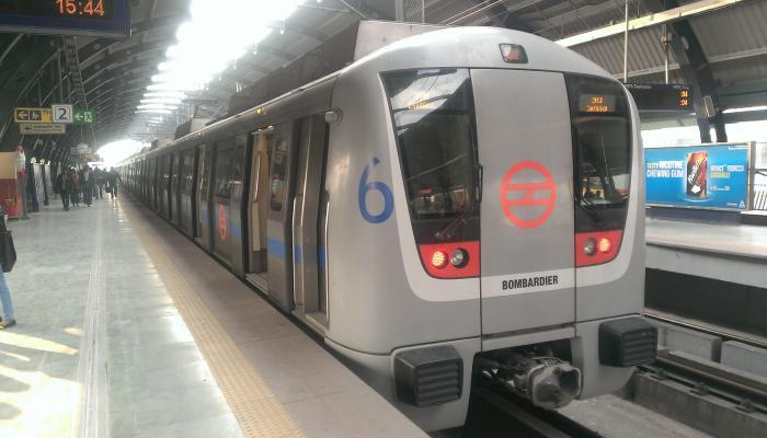 दिल्ली में ब्लू लाइन पर मेट्रो सेवाएं प्रभावित