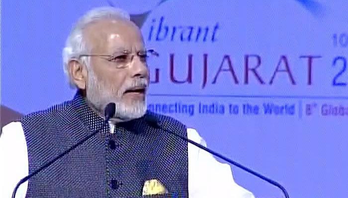 वाइब्रेंट गुजरात वैश्विक शिखर सम्मेलन का PM मोदी ने किया उद्घाटन, कहा-'वैश्विक अर्थव्यवस्था का इंजन है भारत'
