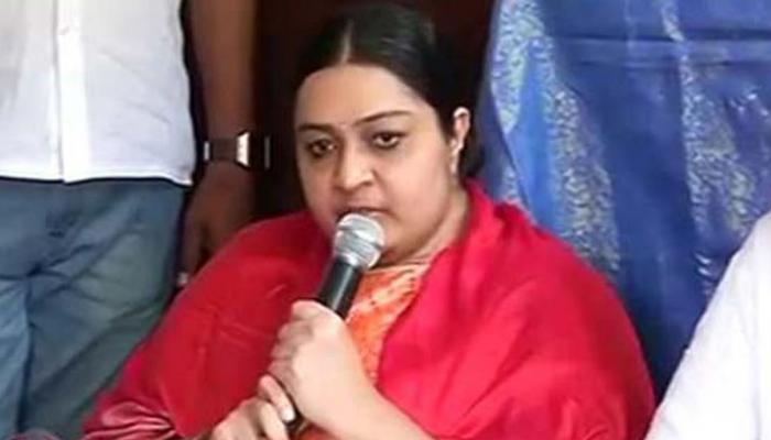 जयललिता की भतीजी का ऐलान- राजनीति में रखेंगी कदम, शशिकला पर साधा निशाना