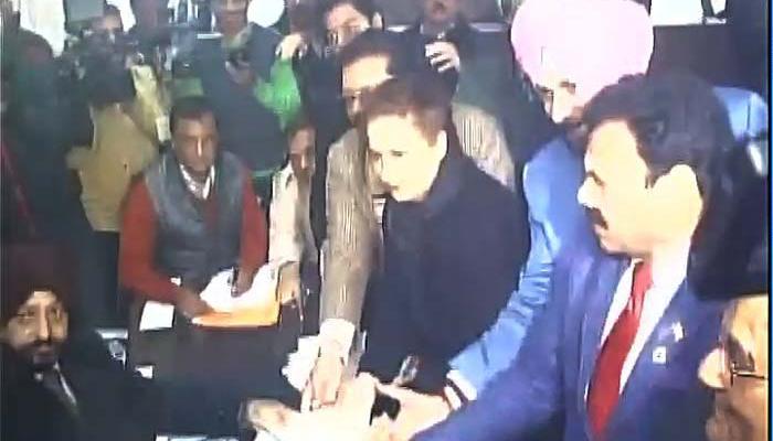 पंजाब चुनाव 2017: नवजोत सिंह सिद्धू ने पूर्वी अमृतसर सीट से भरा नामांकन