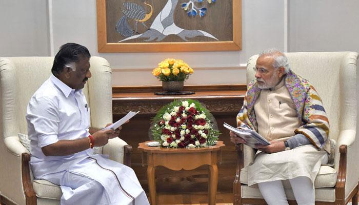 जल्लीकट्टू मुद्दा: PM मोदी से मिले तमिलनाडु के मुख्यमंत्री पनीरसेल्वम, अध्यादेश लाने की अपील की