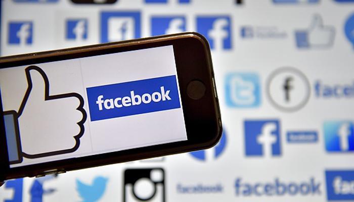 'फेसबुक हमें बना सकता है अधिक संकीर्ण मानसिकता वाला'