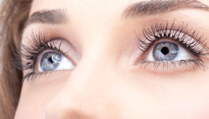 बिना दवा के ऐसे बढ़ाएं अपनी आंखों की रोशनी!