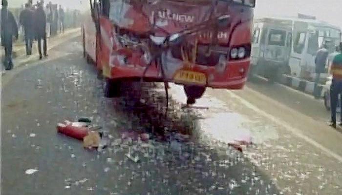 घने कोहरे के कारण जयपुर में 35 वाहन आपस में टकराये, एक की मौत, 45 अन्य घायल