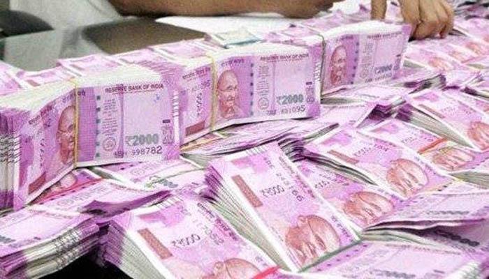 बजट 2017: एक अप्रैल से तीन लाख रुपये से अधिक के कैश लेनदेन पर प्रतिबंध