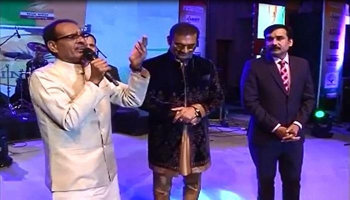 'I For INDIA' में नितिन गडकरी और शिवराज सिंह ने गाए गीत, देखें वीडियो