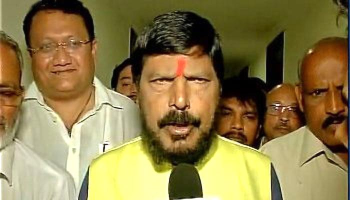 ..तो भाजपा को समर्थन देने पर विचार करे बसपा : अठावले