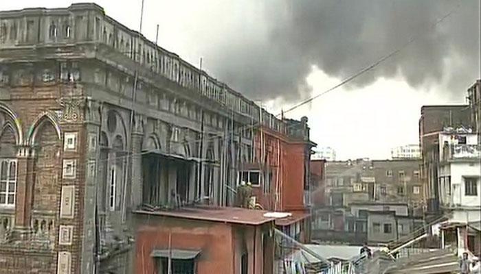 कोलकाता के बड़ा बाजार इलाके में भीषण आग, कई गोदाम जलकर खाक