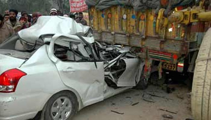 बांग्लादेश: ट्रक और मिनी वैन की टक्कर, 12 कामगारों की मौत