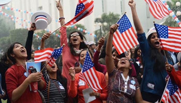 भारतीय छात्रों में घट रहा है यूएस में पढ़ने का क्रेज